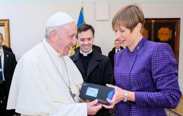 Папа Франциск стал электронным резидентом Эстонии