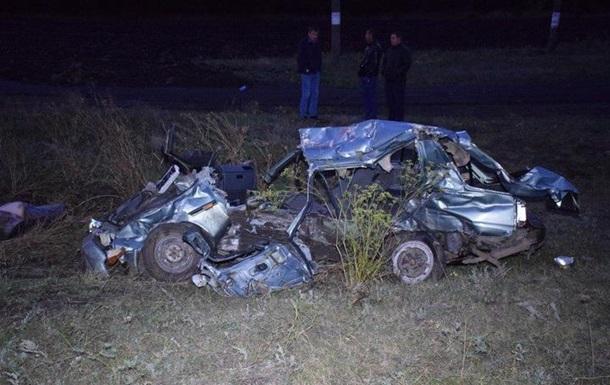 У Миколаївській області поїзд протаранив авто: є жертви