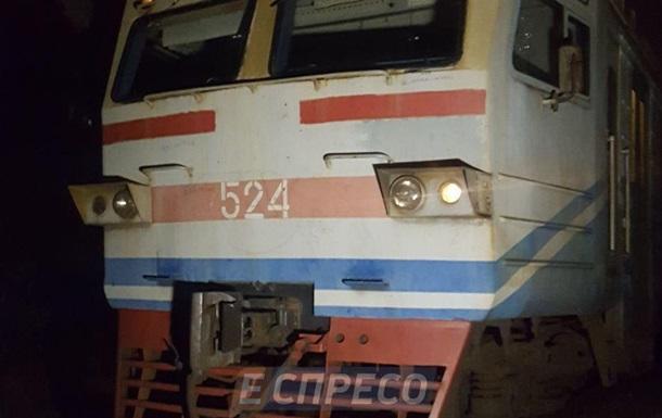 У Києві електричка збила на смерть чоловіка