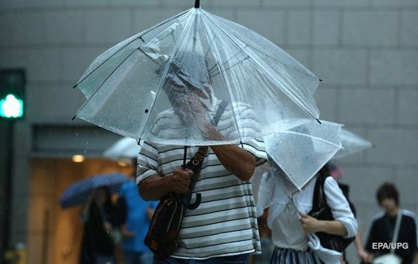 В Японії скасували майже 200 авіарейсів через тайфун