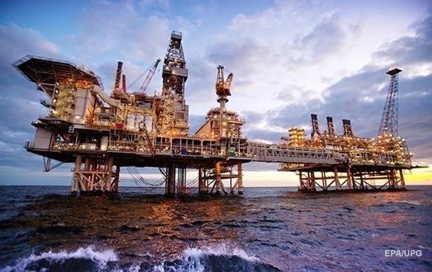 Нафта Brent торгується нижче за 82 долари за барель