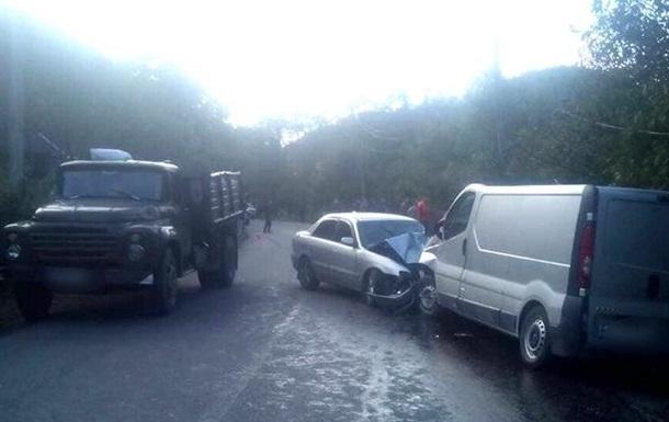 На Прикарпатті п ятеро осіб постраждали в ДТП