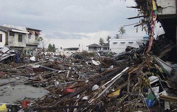 В Індонезії вирує цунамі
