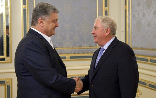 Порошенко обговорив з генералом США посилення допомоги ЗСУ