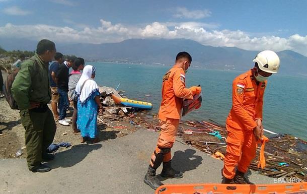 В Індонезії кількість жертв землетрусу і цунамі перевищила 380 осіб