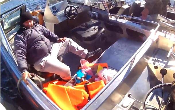 У Запоріжжі перекинувся катер з чиновниками