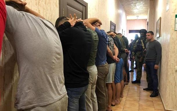 В отеле Одессы задержана группа вооруженных людей