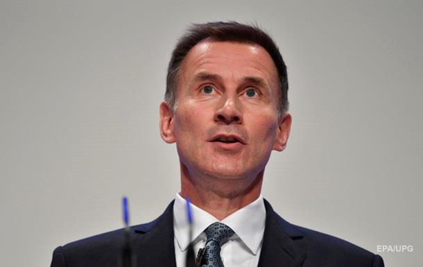 Глава МЗС Британії: ЄС стає  в язницею