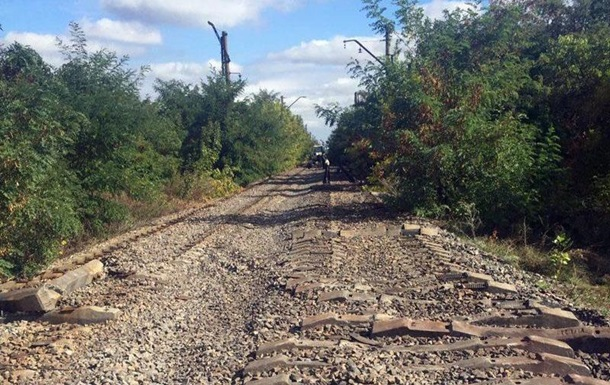 На Донбассе украли почти километр железной дороги