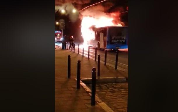 У Львові на ходу загорівся автобус