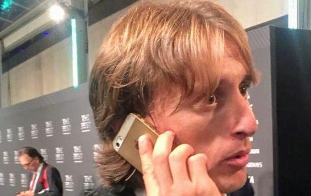 Найкращий у світі футболіст здивував фанатів старим телефоном