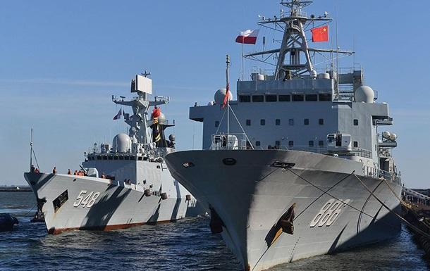 Есмінці США і Китаю ледь не зіткнулися в Південно-Китайському морі