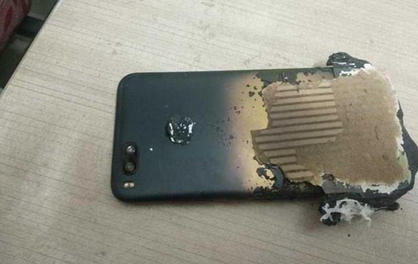 Смартфон Xiaomi взорвался рядом со спящим владельцем