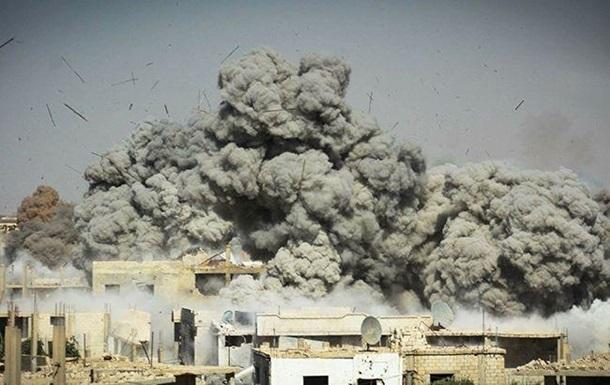 Під час атаки смертника в Афганістані загинули 13 людей
