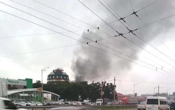 У Києві горить готель Тиса