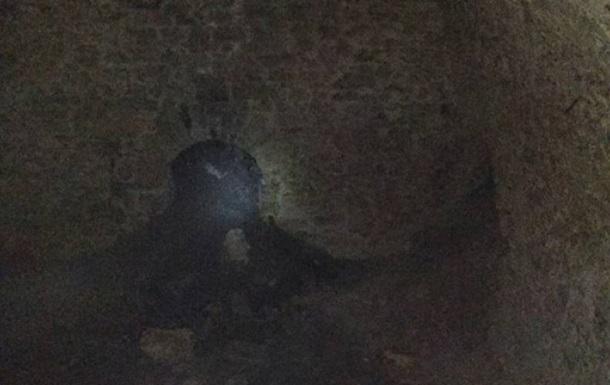 У Херсоні комунальники виявили катакомби