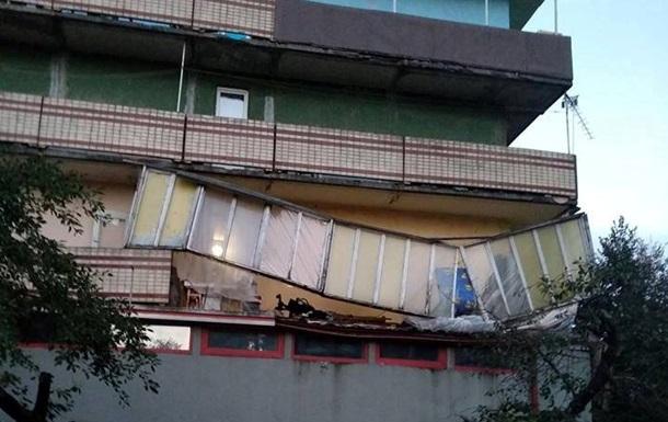 В Киеве обрушился балкон