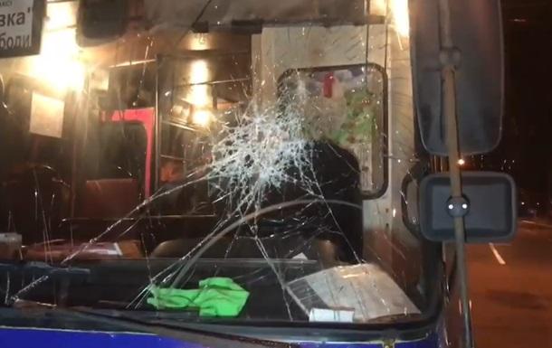 У Києві водій побив маршрутку, яка його  підрізала