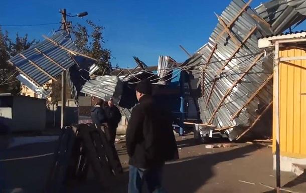 В Кропивницком на рынке рухнула крыша