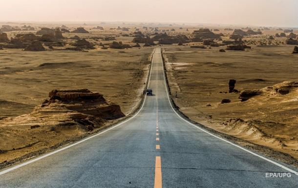 У Саудівській Аравії посеред дороги виявили ліжко з трупом