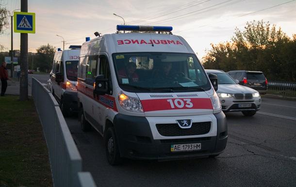 У Дніпрі автомобіль збив дитину з батьком на пішохідному переході
