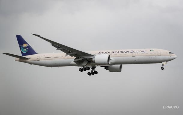 Авиакомпания не пустила пассажира в самолет из-за шорт