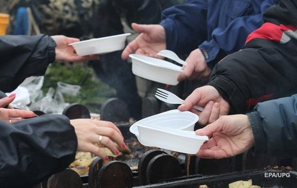 Комитет Европарламента поддержал запрет на одноразовую посуду в ЕС