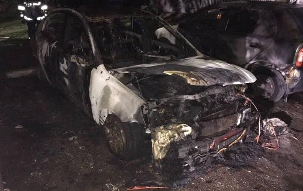 У центрі Запоріжжя згоріли чотири авто