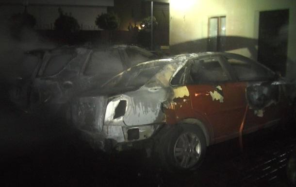 У Харкові згоріли чотири автомобілі