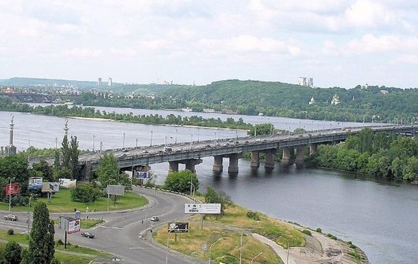 У Києві на цілу ніч 15 жовтня перекриють міст Патона