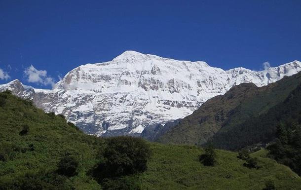 В Гималаях сошла лавина, погибли девять альпинистов