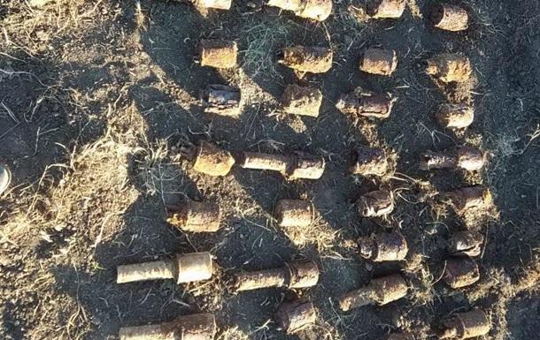 У Харківській області у дворі будинку знайшли понад 200 боєприпасів