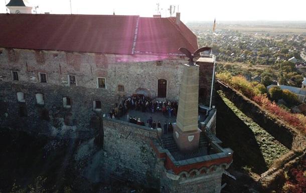 Із замку Паланок у Мукачевому приберуть угорську символіку - ЗМІ