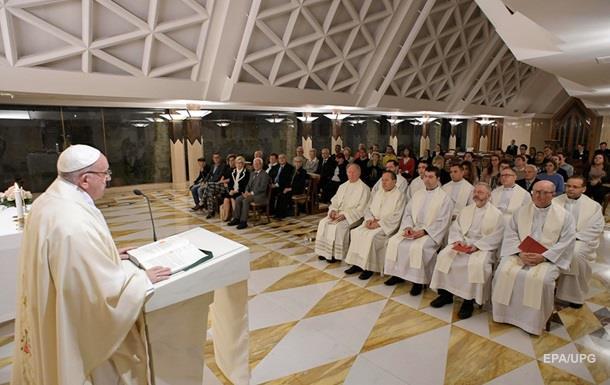 Папа Римський позбавив сану двох єпископів через звинувачення в педофілії
