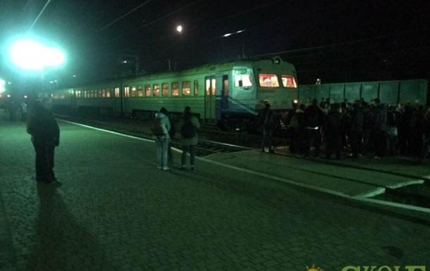На Закарпатті блокували залізницю