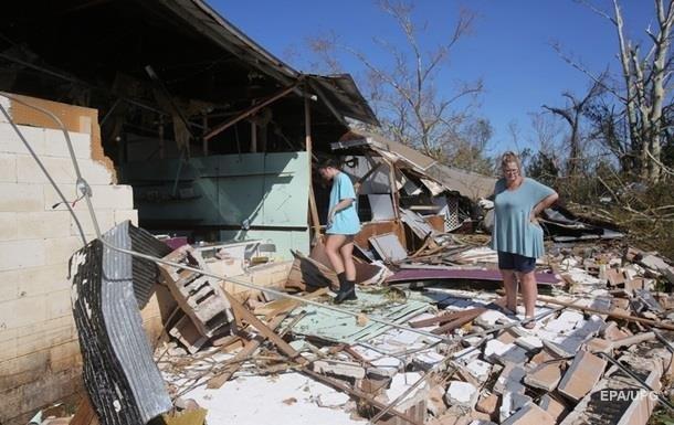 У США розшукують тисячу осіб, зниклих після урагану Майкл