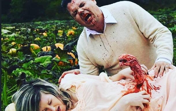 Беременная канадка  родила Чужого  на фотосессии
