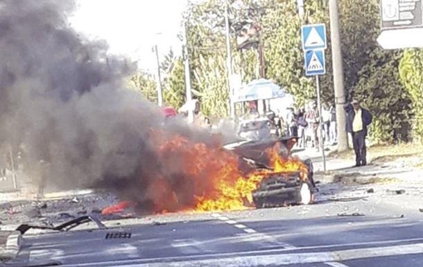 У Сербії підірвали авто телеведучої