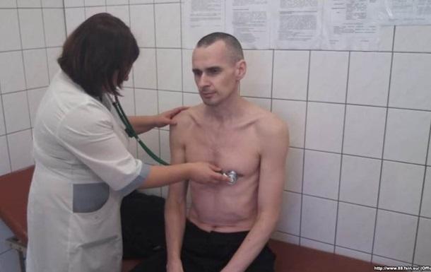 В РФ отрицают информацию, что Сенцов в реанимации