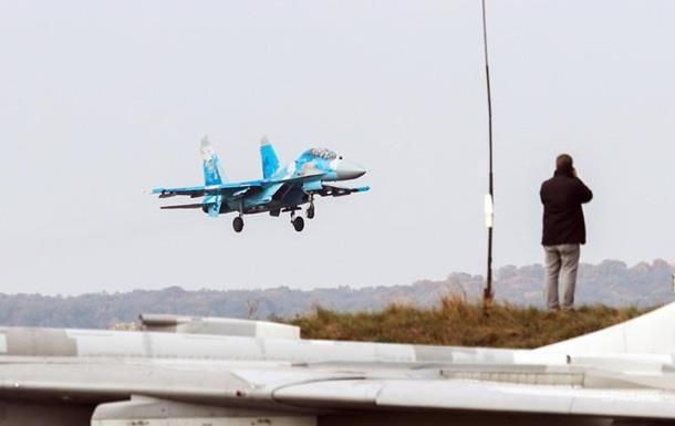 Су-27 розбився на навчаннях в Україні. Головне