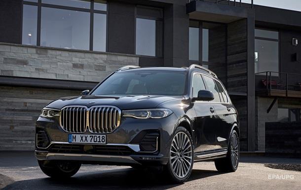 BMW представила семиместный кроссовер X7