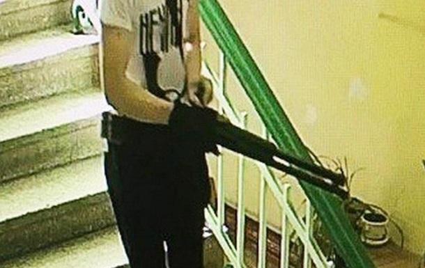 З явилося відео, як стрілок з Керчі купує набої