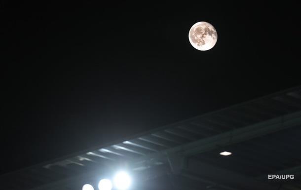 У Китаї запустять в небо  штучний місяць