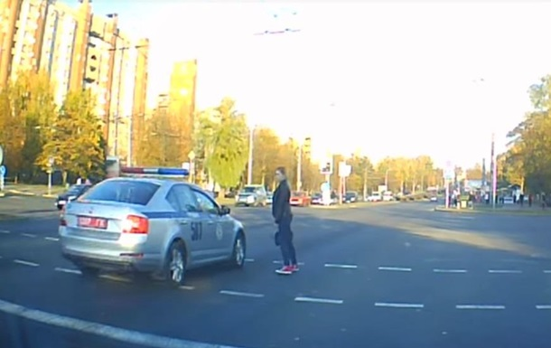 Девушка не пропустила кортеж Лукашенко