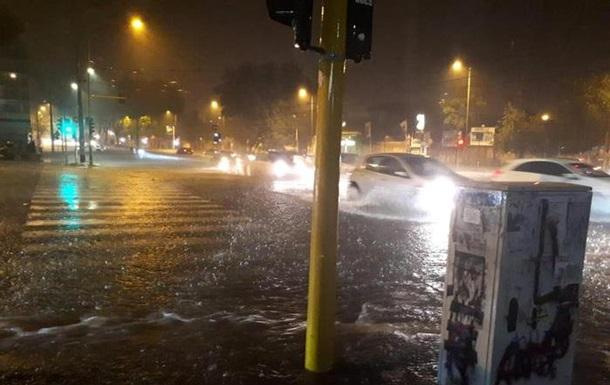 У Римі через зливу затопило метро