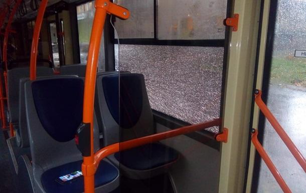 В Днепре расстреляли два троллейбуса и маршрутку