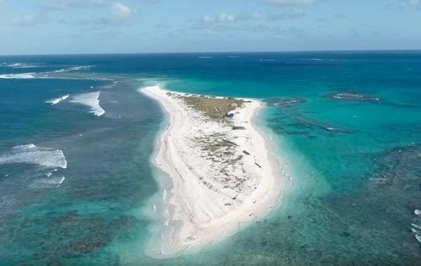 Гавайский остров исчез с лица земли после шторма