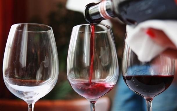 Вино захищає від раку легенів - вчені