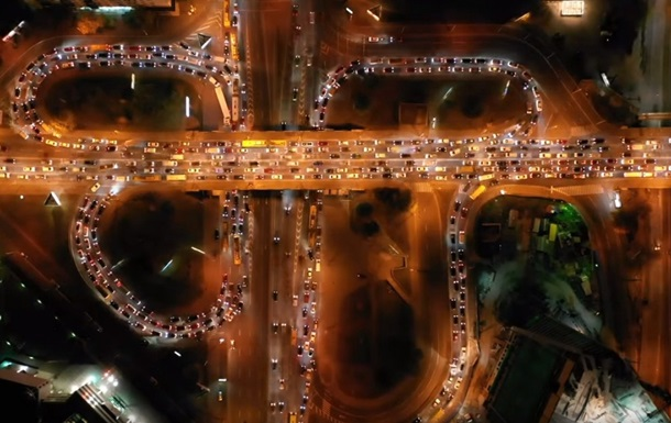 Пробки и развязки Киева сняли с воздуха