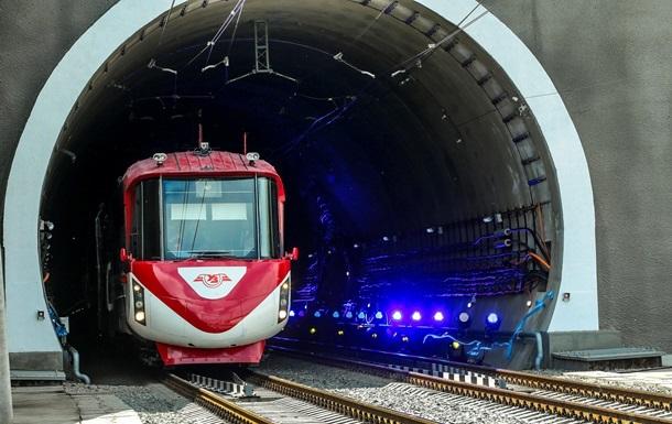 Укрзалізниця назвала перші успіхи нового Бескидського тунелю